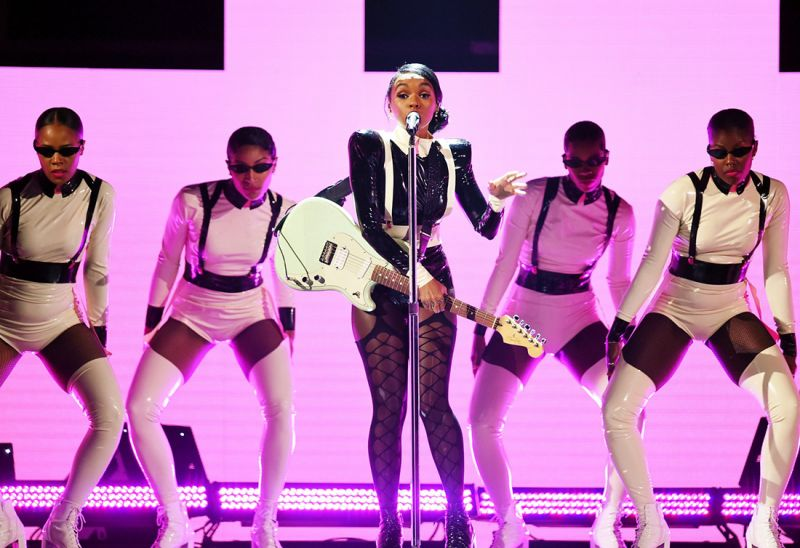 """Janelle Monáe trouxe """"Make Me Feel"""" para os palcos do Grammy 2019 (Foto: Kevin Winter / Getty Images)"""