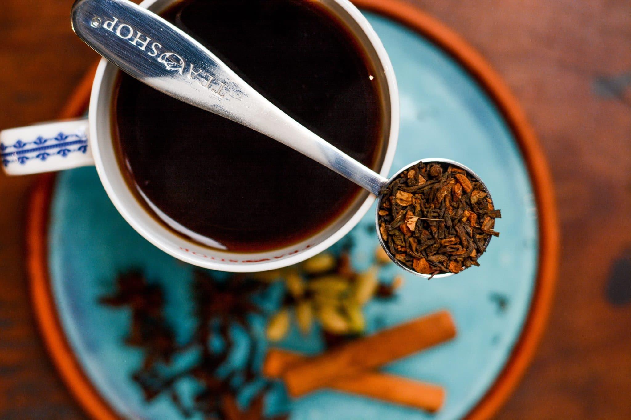 Cinco motivos para tomar chá em 2021